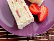 Лесна и бърза домашна бисквитена торта с маскарпоне, кондензирано и прясно мляко, сметана и ягоди